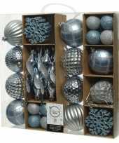 50x blauwe kerstballen en figuur hangers 4 8 15 cm kunststof
